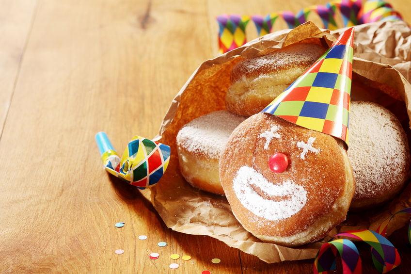 Typische carnavals gerechten en hapjes om te eten met recepten - Mamaliefde.nl