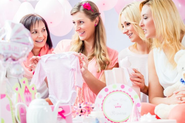 Baby shower ideeën hapjes spelletjes - Mamaliefde.nl