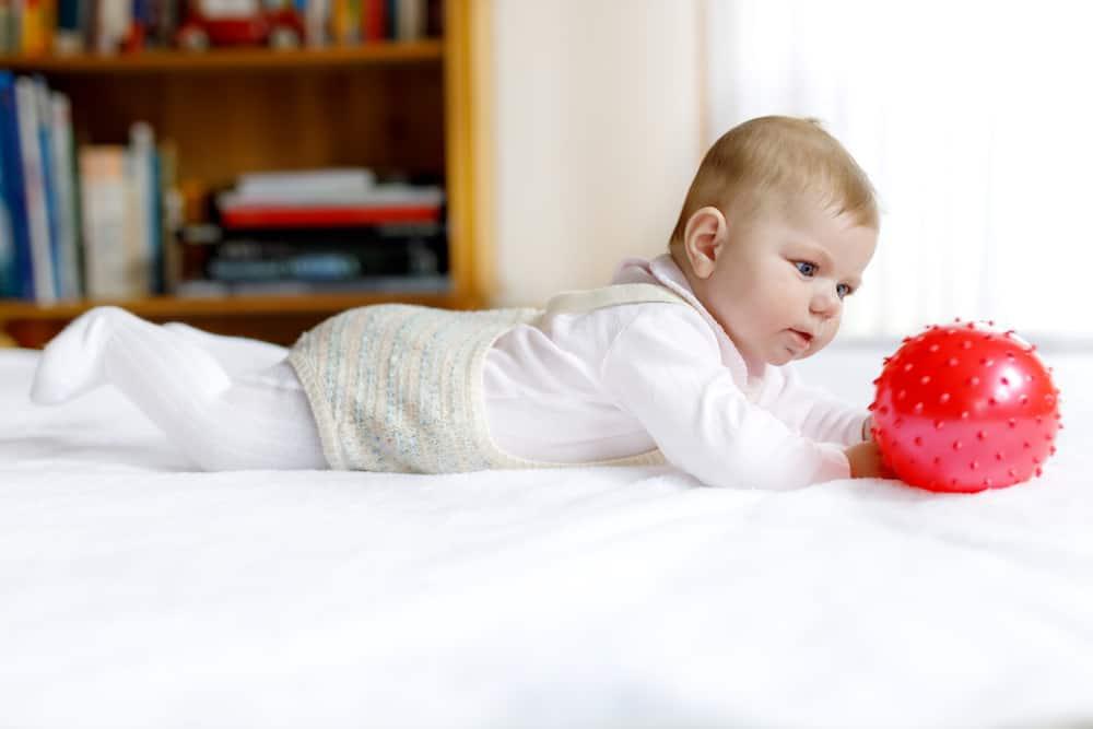 Geschikt speelgoed voor een baby van 6 tot 9 maanden - Mamaliefde.nl