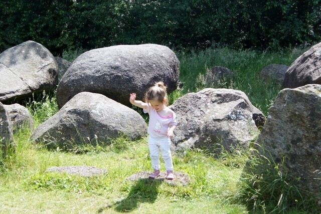 Dagje hunnebedden en attractiepark Drouwenerzand - Mamaliefde