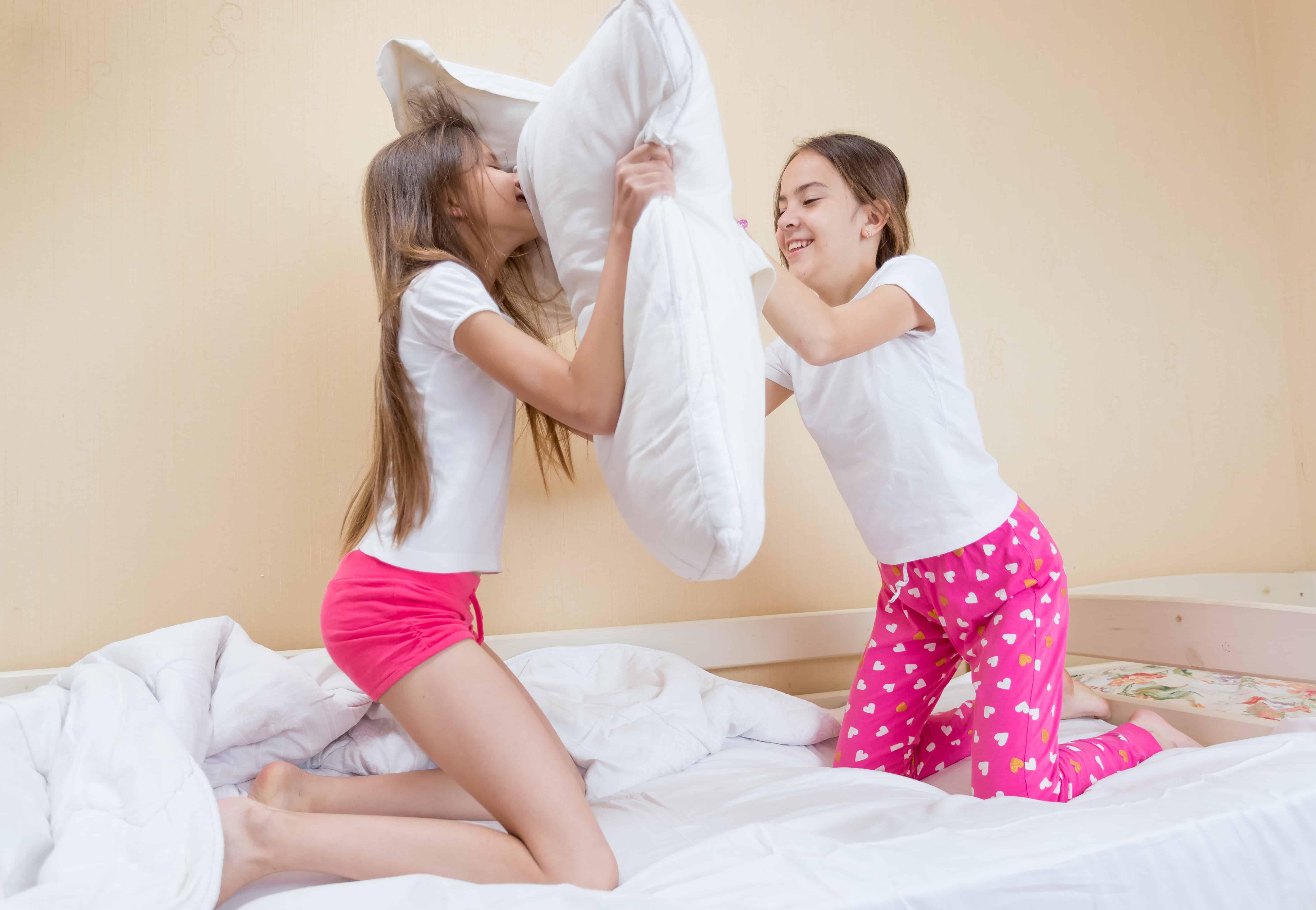Kind / baby logeren; Handige tips zoals checklist inpaklijst wat moet je mee nemen - Mamaliefde.nl