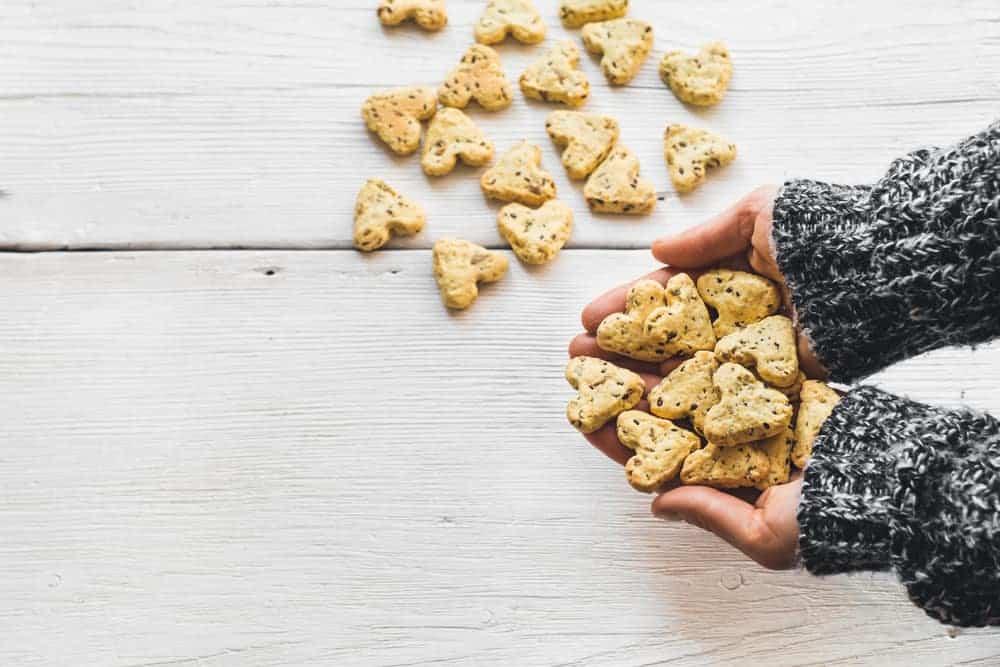 Valentijn & moederdag hapjes maken; Hartvormige recepten met oa chocolade en aardbeien of hartig. - Mamaliefde.nl
