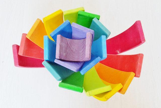Slakkenhuis; 1 van de meer dan 100 voorbeelden met de Grimm's regenboog #grimmsrainbow - Mamaliefde.nl