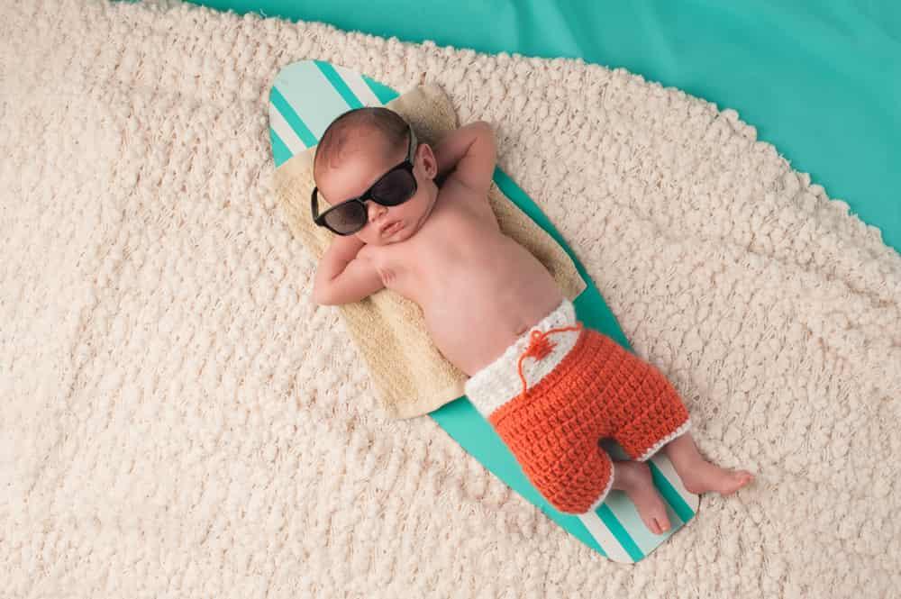 Baby slapen met warm weer / hittegolf; tips voor als de baby last heeft van de hitte en warmte - Mamaliefde.nl