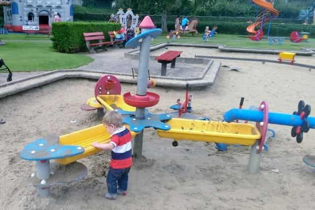 Linnaeushof - Mamaliefde