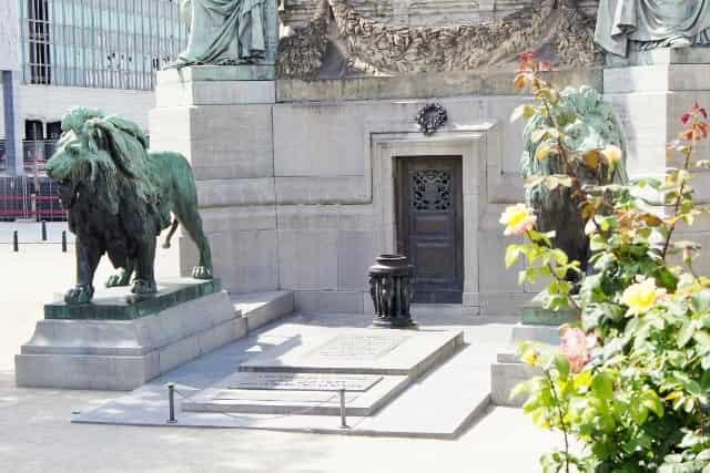 Stedentrip Brussel -Congreskolom - Mamaliefde