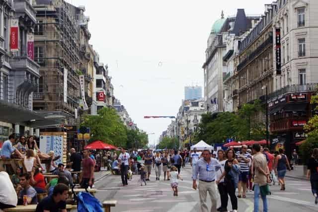 Stedentrip Brussel - Anspachlaan Voetganger is Koning - Mamaliefde