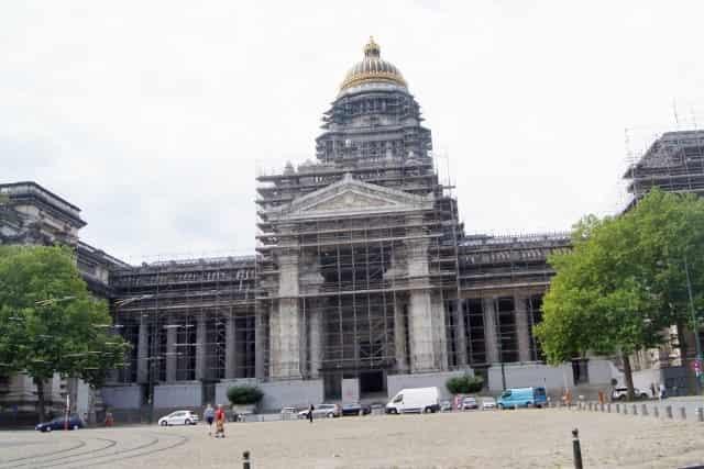 Stedentrip Brussel- Sint Jacob op deantiekmarkt - Justitieel Paleis - Mamaliefde