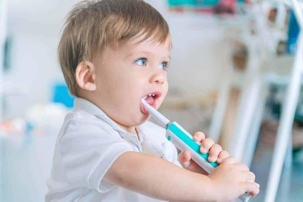 Tandjes baby; symptomen eerste doorkomende tandjes, volgorde leeftijd en hoe lang duurt het? Tips en ervaringen met oplossingen zoals vsm of chamodent tandgel - Mamaliefde.nl
