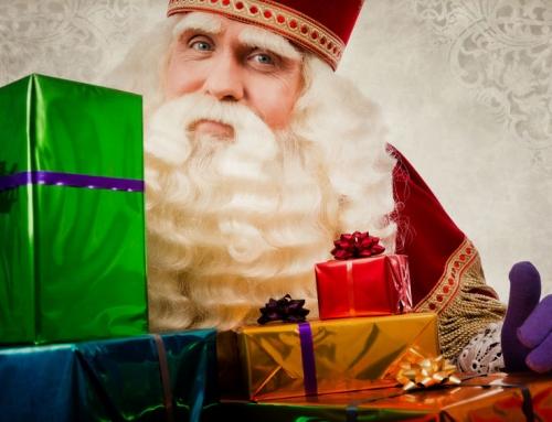 Sinterklaas spel met cadeautjes voor pakjesavond; spelregels dobbelspel voor kinderen en volwassenen. Of toch liever een kado spel kopen?