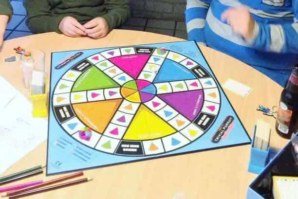 Review: trivial pursuit familie - Mamaliefde