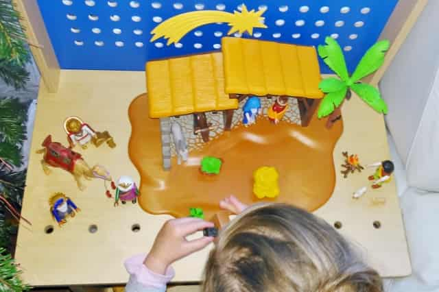 Winactie Playmobil grote kerststal 5588 - Mamaliefde