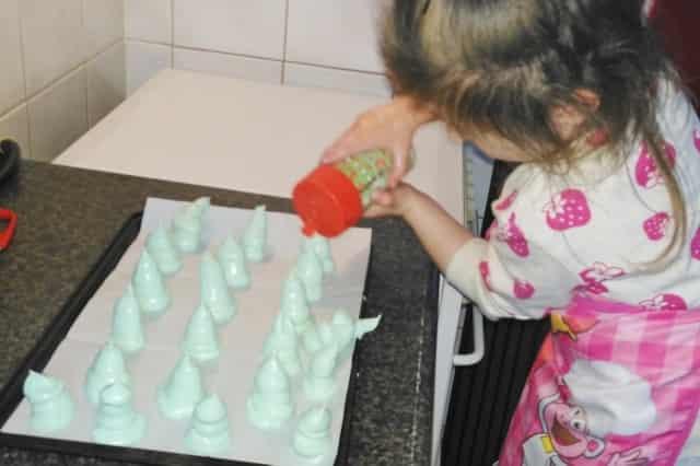 Recept merengue kerstbomen kerstmis - Mamaliefde