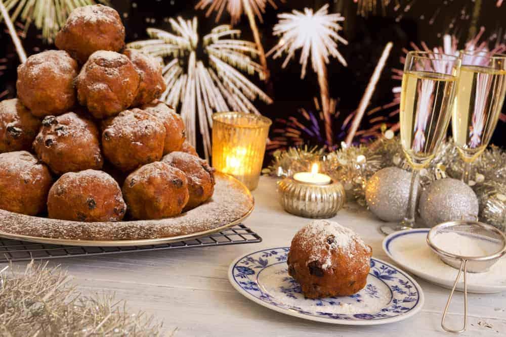 Wat eten op Oudejaarsavond? Typische en originele hapjes, tapjes en recepten - Mamaliefde.nl