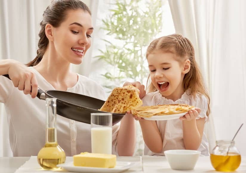 Pannenkoek recepten; Hartige en gezonde alternatieven, ook zonder ei, melk en suiker of met fruit voor Nationale Pannenkoekendag - Mamaliefde.nl