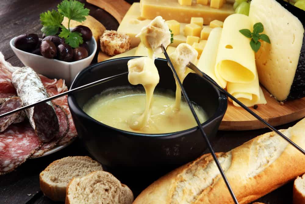 Kaasfondue maken; recept zonder alcohol en wijn ook kindvriendelijk voor kinderen - Mamaliefde.nl