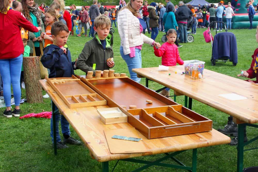 Koningsdag spelletjes en activiteiten voor kinderen, peuters en kleuters, school of thuis - Mamaliefde.nl