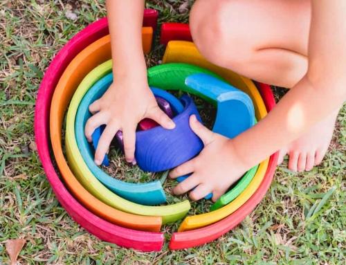 Kleuren leren spelletjes; vanaf welke leeftijd herkennen en oefenen voor peuters