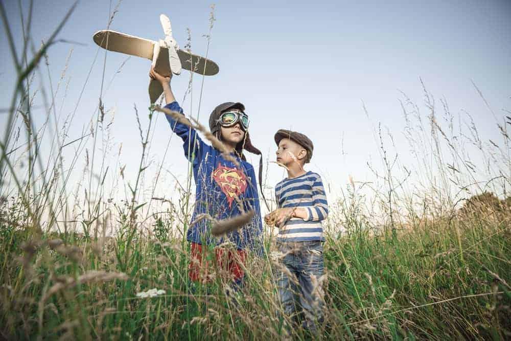 Buitenspelen; 101 leuke kinder spelletjes voor buiten ook activiteiten voor kinderfeestje / bso - Mamaliefde.nl