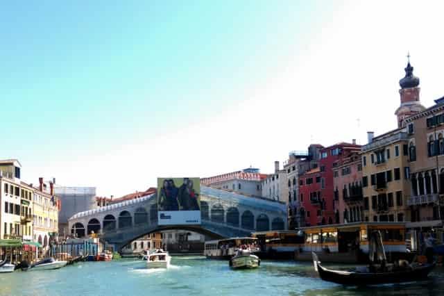De 12 leukste bezienswaardigheden / activiteiten / uitstapjes in Venetië met kinderen: Rialto brug Mamaliefde.nl