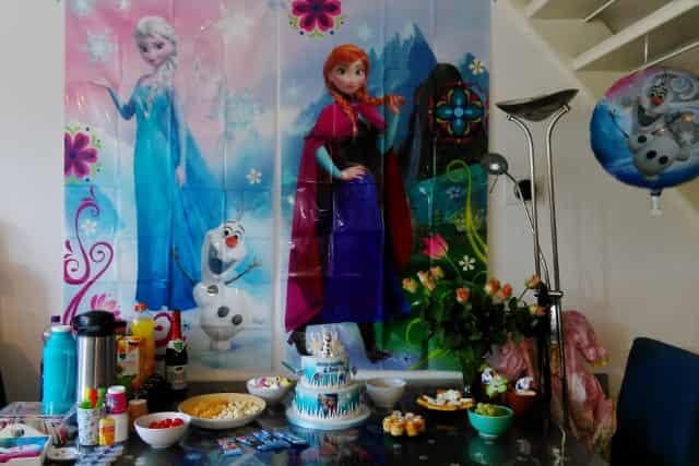 Frozen decoratie sweet table themafeestje - Mamaliefde.nl