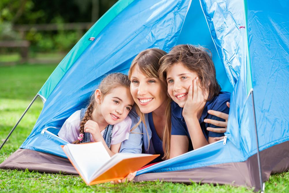 Staycation Nederland; betekenis & 101 vakantie tips voor activiteiten en uitjes met kinderen. Voor als je niet op vakantie gaat en geniet van Tuinesië. - Mamaliefde.nl