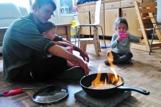 Zelf kampvuur maken binnenshuis; alternatief voor een open haard - Mamaliefde.nl