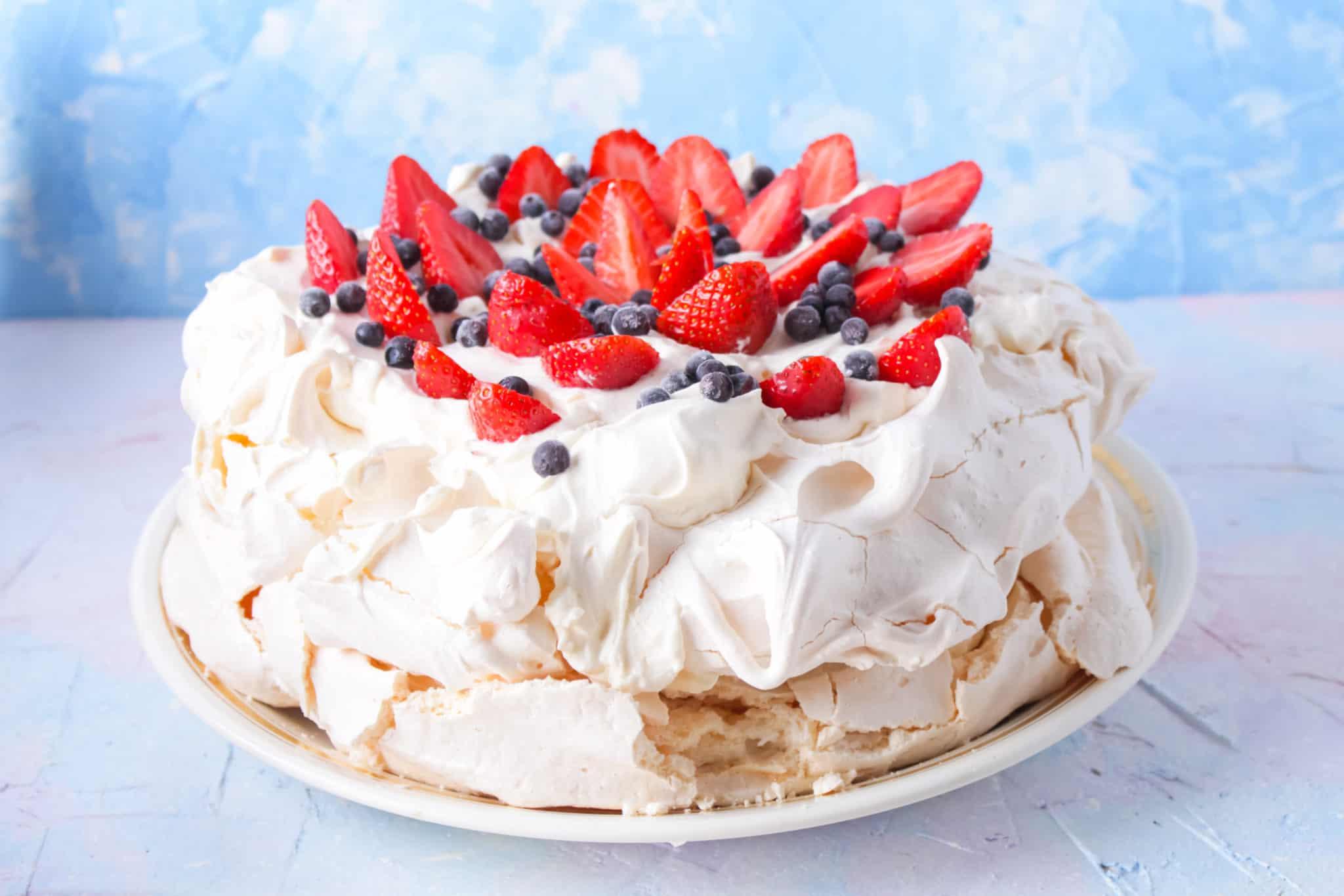 Recept: Baked Alaska / ijstaart omelet siberienne met pavlova merengue en fruit uit de oven - Mamaliefde.nl