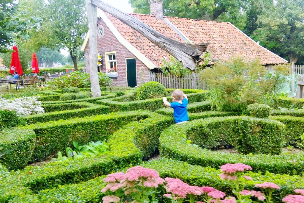 Erve Brooks; blotevoetenpad, avonturenpad, museumboerderij & pannenkoekenrestaurant - Mamaliefde.nl