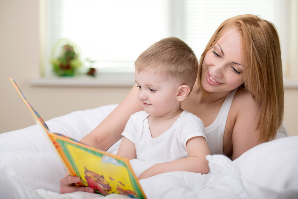 Verhaaltje voorlezen; Tips interactief voorlezen baby en peuter of in de klas & wanneer / vanaf welke leeftijd beginnen- Mamaliefde.nl
