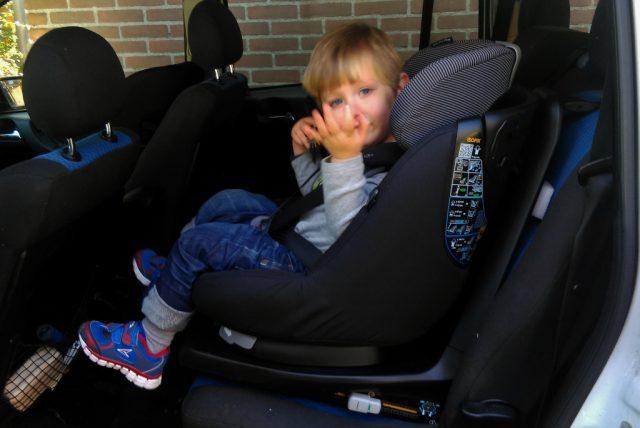 Review Maxi cosi Axifixx plus - Mamaliefde.nl