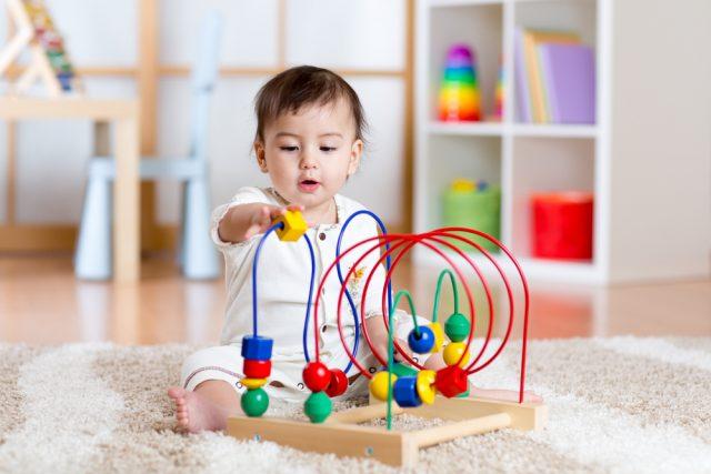 Geschikt speelgoed voor pasgeboren baby's van 6 tot 12 maanden - Mamaliefde.nl