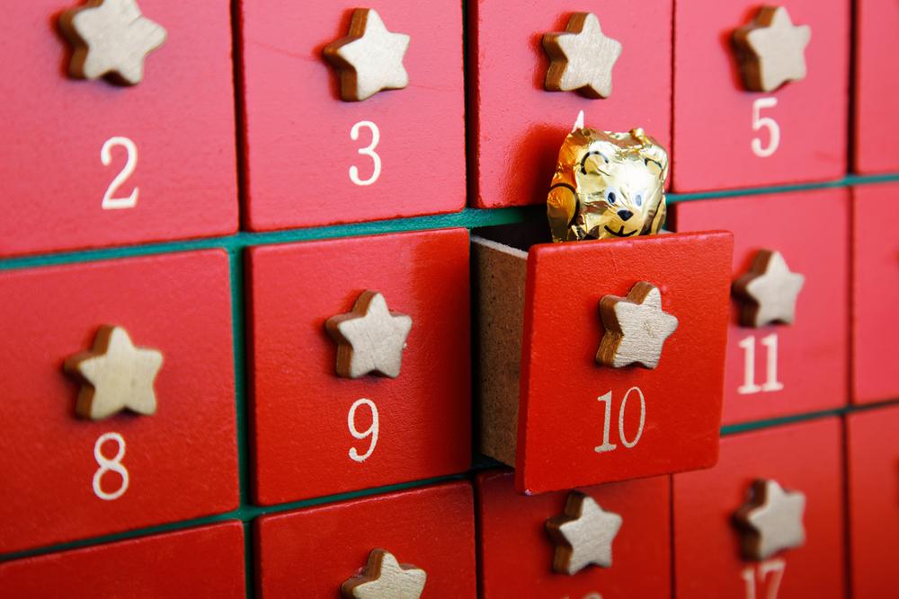 Adventskalender zelf vullen met cadeautjes en activiteiten; inspiratie en voorbeelden - Mamaliefde.nl