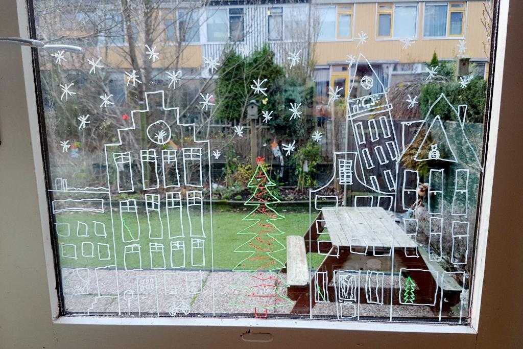 Raamtekening Sinterklaas & Kerst; Gratis sjabloon en voorbeelden met krijtstift - Mamaliefde.nl