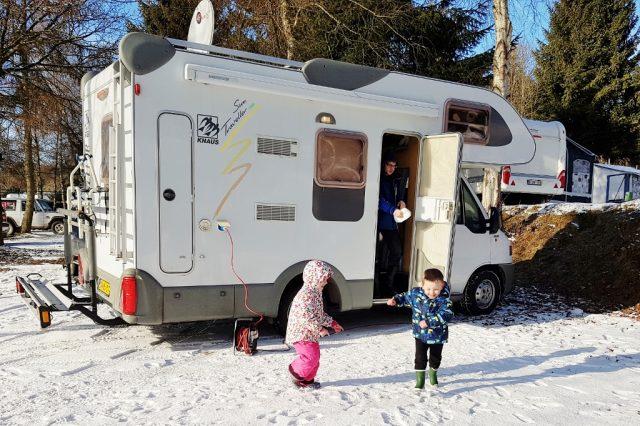 Winterkamperen op camping in de Ardennen België - Mamaliefde.nl
