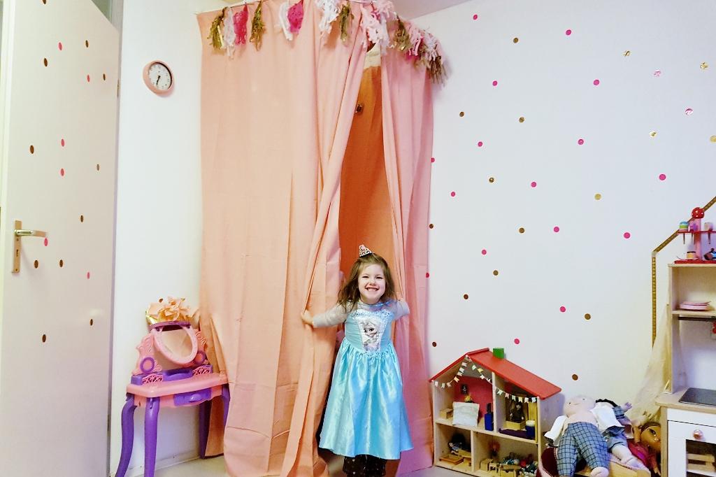 DIY: Een eigen theater op de kinderkamer - Mamaliefde.nl