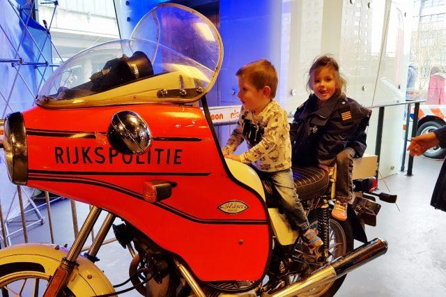 Dagje uit: Veiligheidsmuseum Pit Almere & Meet & Greet Paw Patrol Chase & Marshall - Mamaliefde.nl