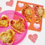 Valentijn hartjes pizza snacks - Mamaliefde.nl