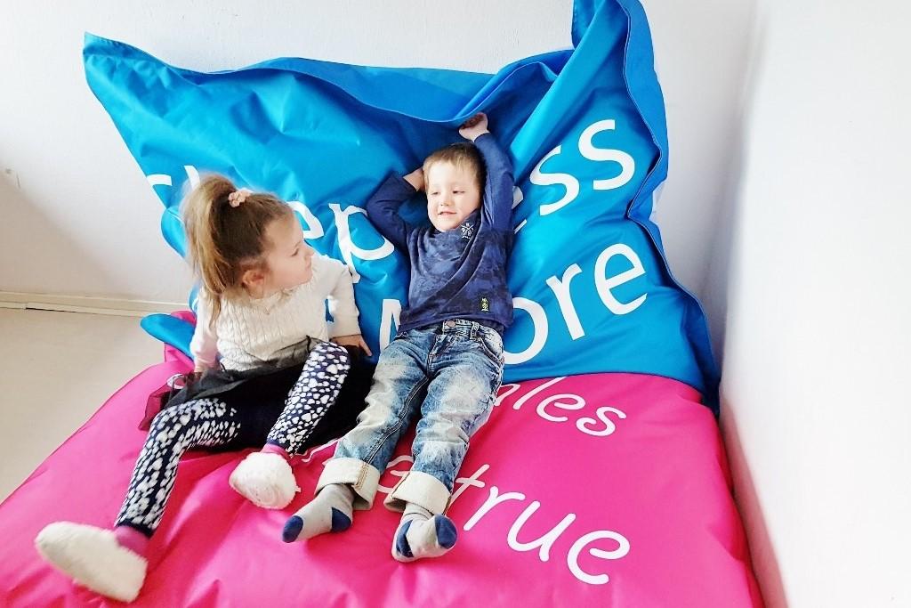 XXL zitzak voor kinderkamer; multifunctioneel van leeshoekje tot matras en rustplek- Mamaliefde.nl
