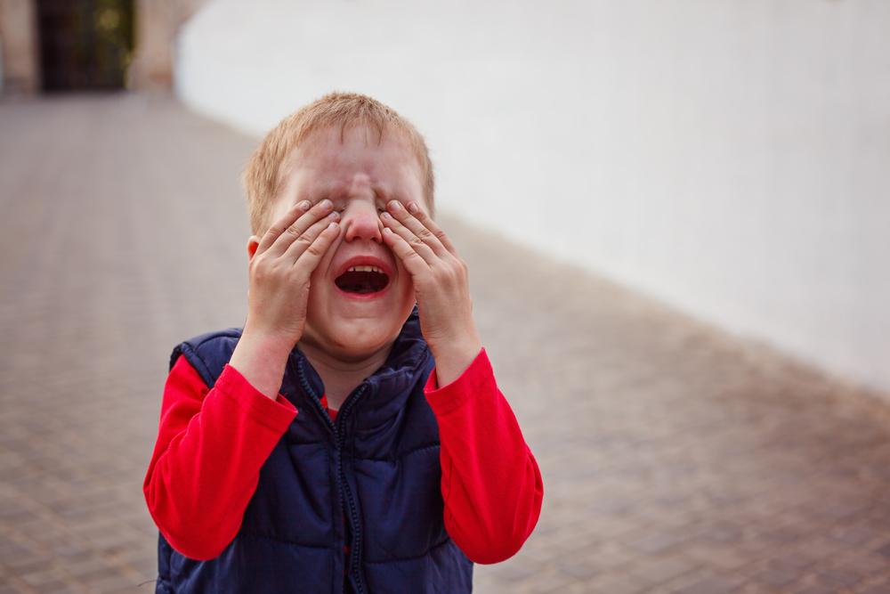Dan zet je toch je kind onder de koude douche? Kindermishandeling of toch niet? - mamaliefde.nl