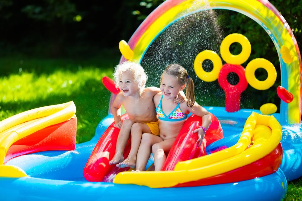 Zwembad voor in de tuin; van temperatuur baby tot onderhoud- Mamaliefde.nl