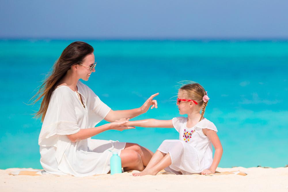 Zonnebrand baby & kind; welk creme biedt de beste bescherming ook bij gevoelige huid of natuurlijke ingrediënten? - Mamaliefde.nl