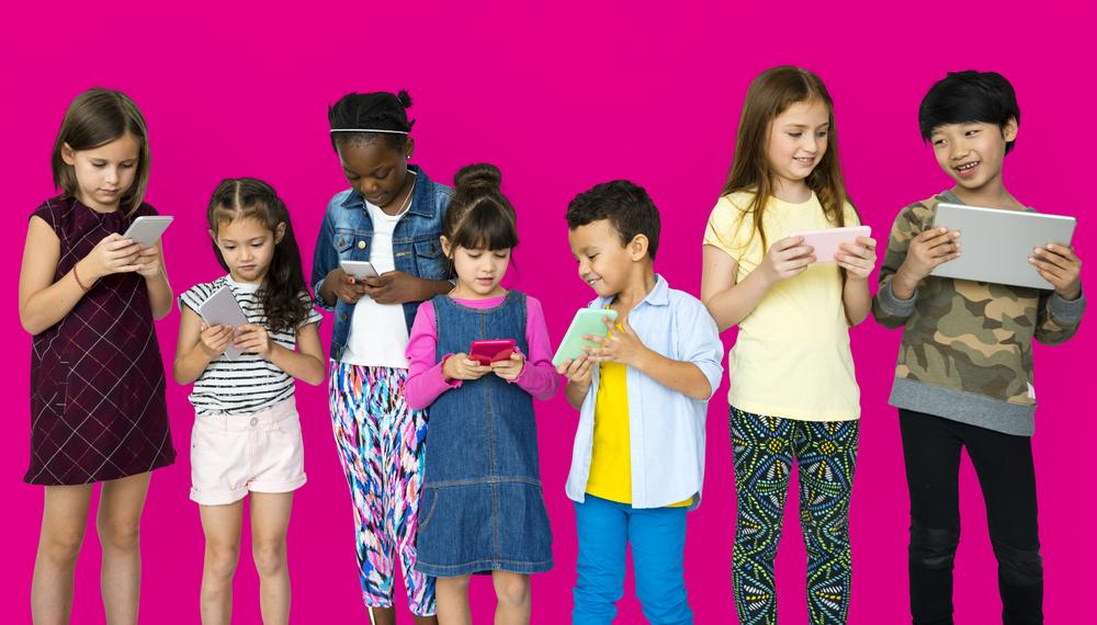 Kinderen begeleiden in de online wereld - Mamaliefde.nl