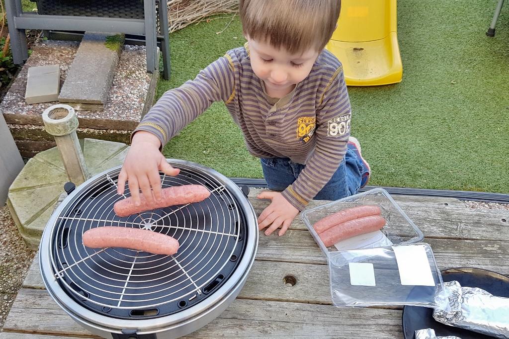 Review: Safire BBQ / Outdoor Cooker. Van bbq tot grillen en zelfs pizza's bakken! - Mamaliefde.nl