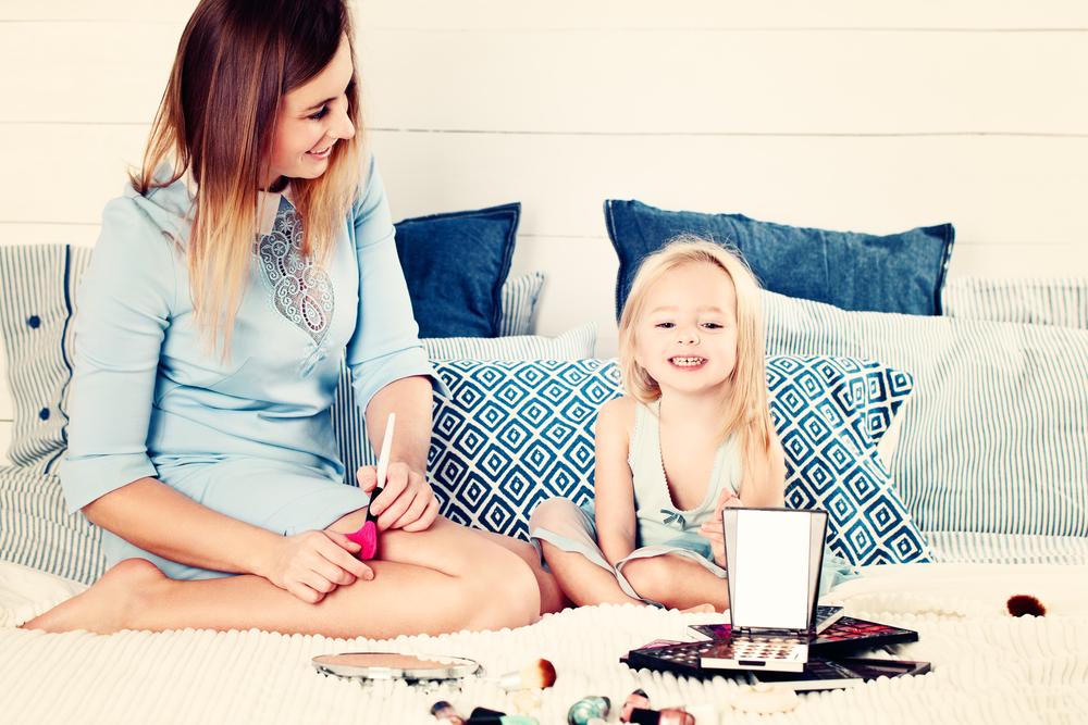Vanaf welke leeftijd make-up en nagellak voor kinderen en peuters? - Mamaliefde.nl