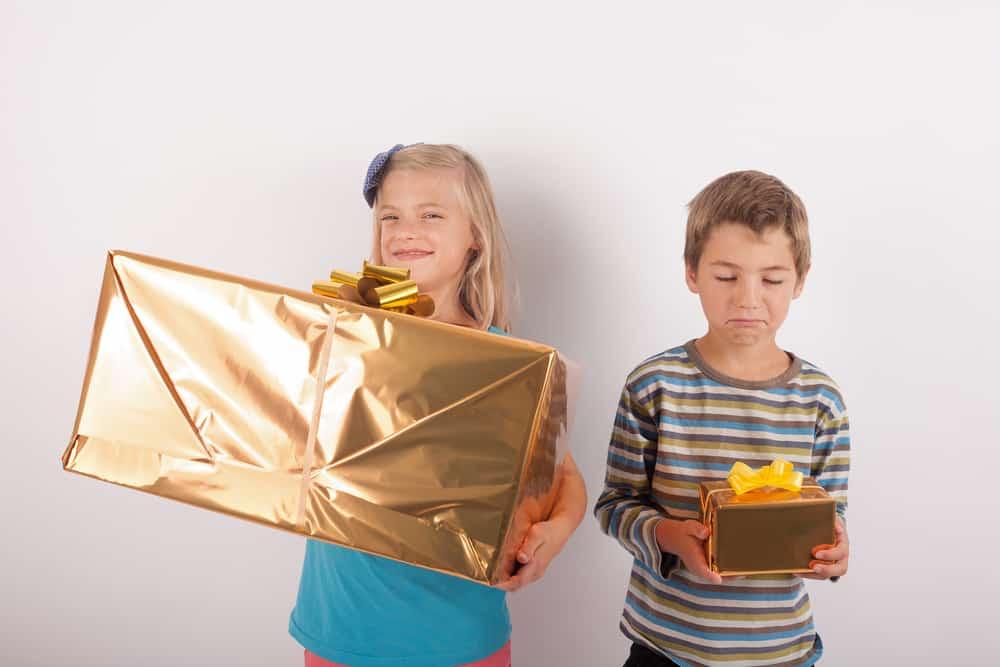 Bedwelming 17 spelletjes om cadeautjes te geven en uitpakken, voor @QA62