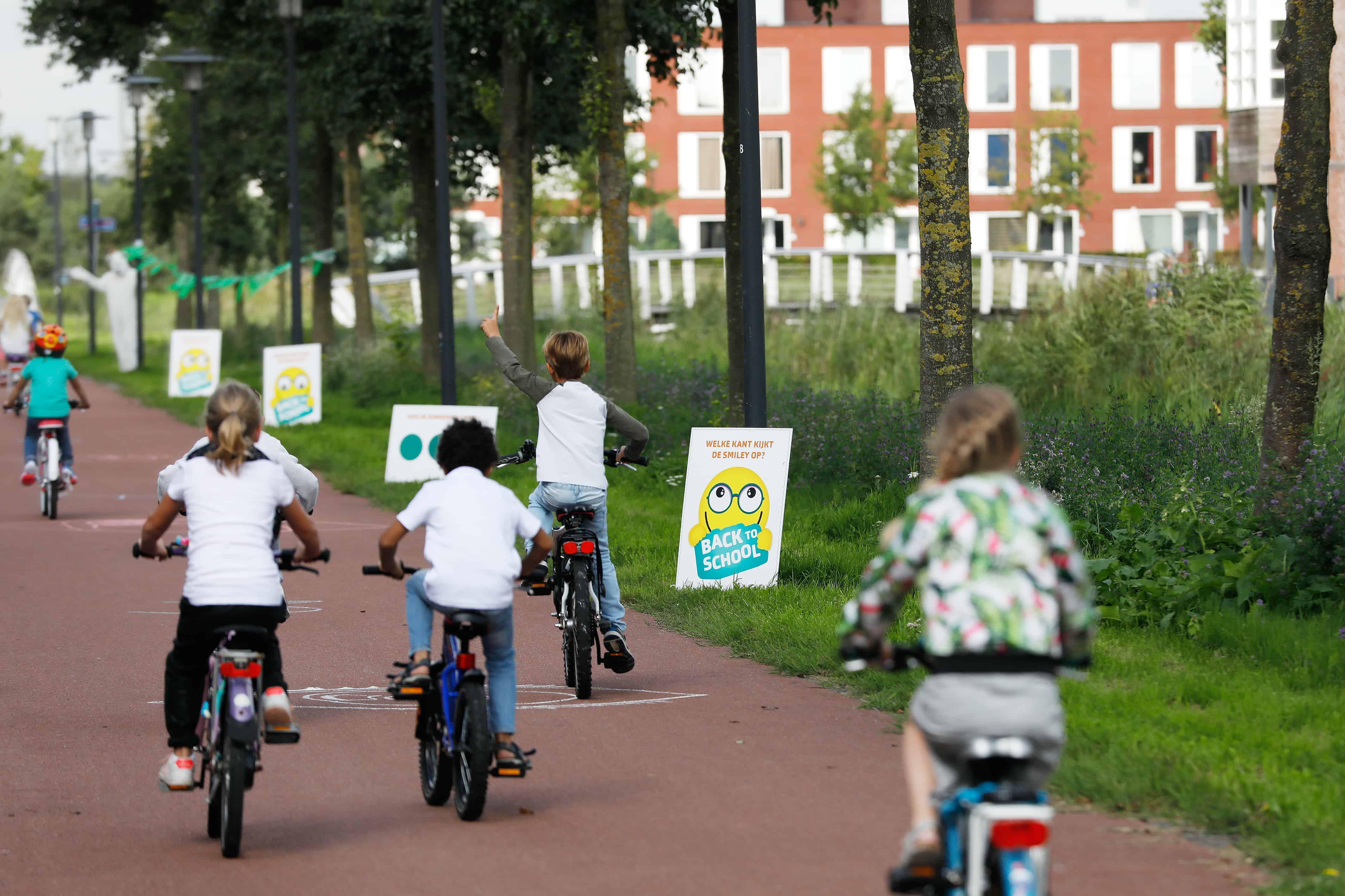 Veilig op de fiets naar school fietsen - Mamaliefde.nl