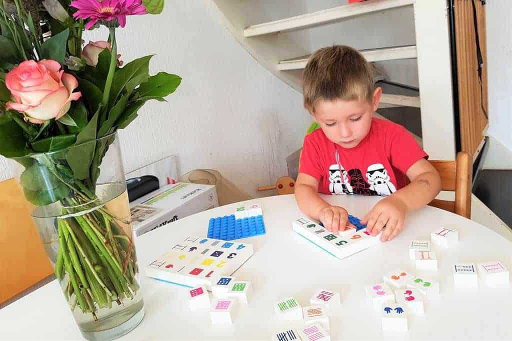 Spelenderwijs leren tellen, rekenen en spellen met Hubelino - Mamaliefde.nl