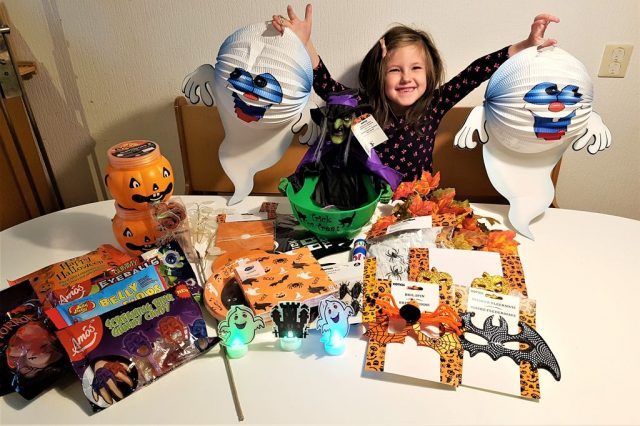 Halloween Xenos.Diy Halloween Trick Or Treat Candy Buffet Mamaliefde Nl