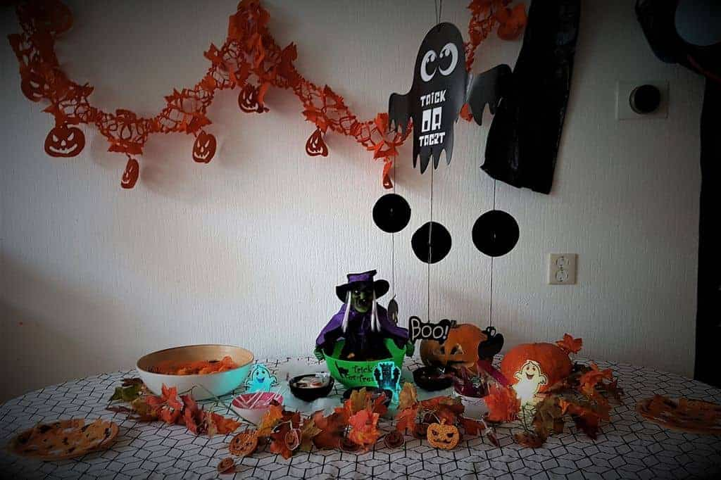DIY: Halloween Trick or Treat candy buffet met shoplog van de Xenos - Mamaliefde.nl